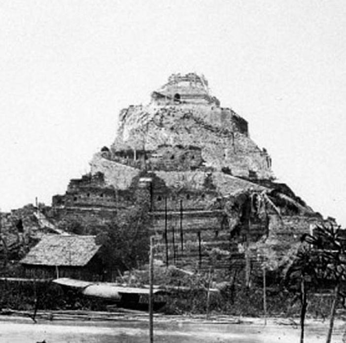 1865 Reconstruction work of Phu Khao Thong [Golden Mount] 02.jpg
