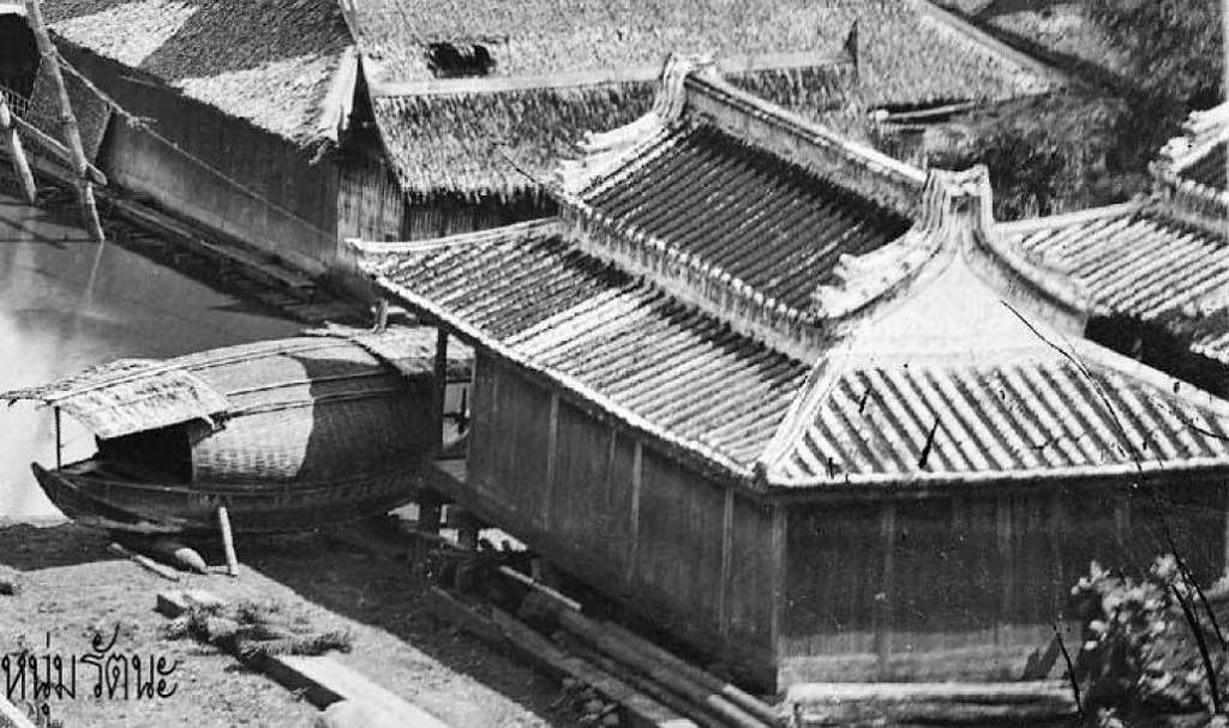 1866 Close up of Chao Phraya riverside.jpg