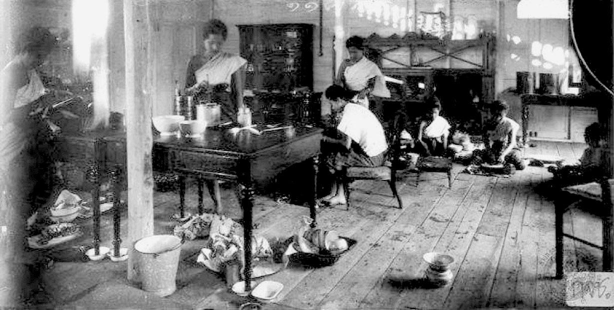 1894 Consorts residence of Dusit Palace.jpg