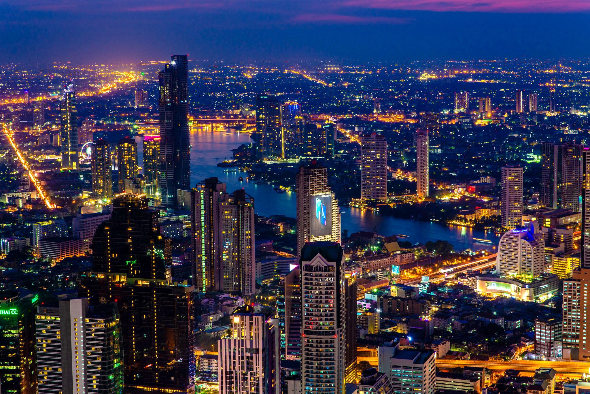 Bangkok Skyline by Hiroshiken.jpg