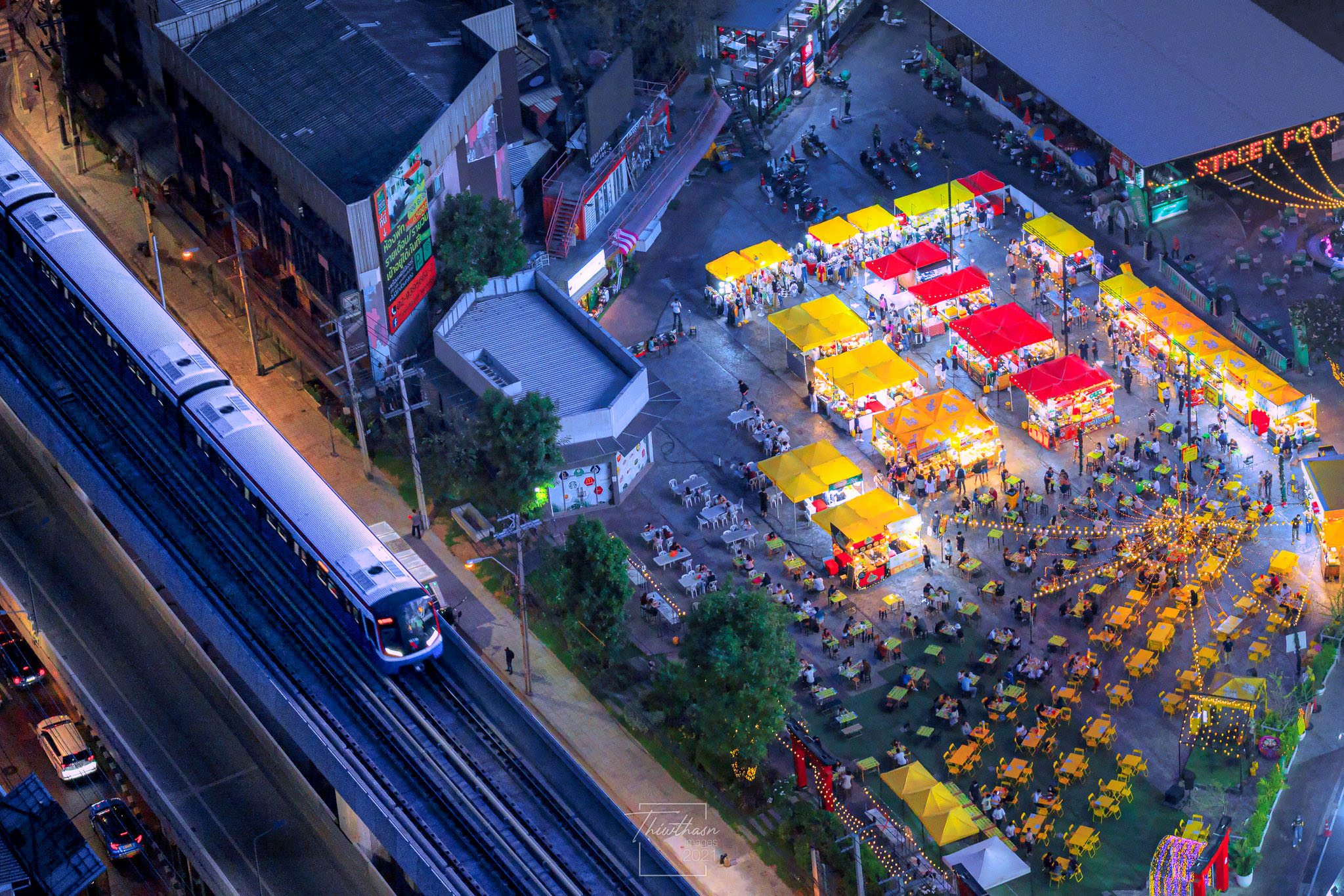 Market square with BTS Skytrain at Ratchayothin Intersection by Jakapan Chumchuen.jpg