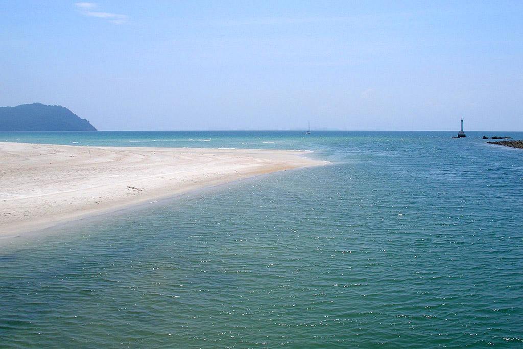 Tarutao islands National Park 3.jpg