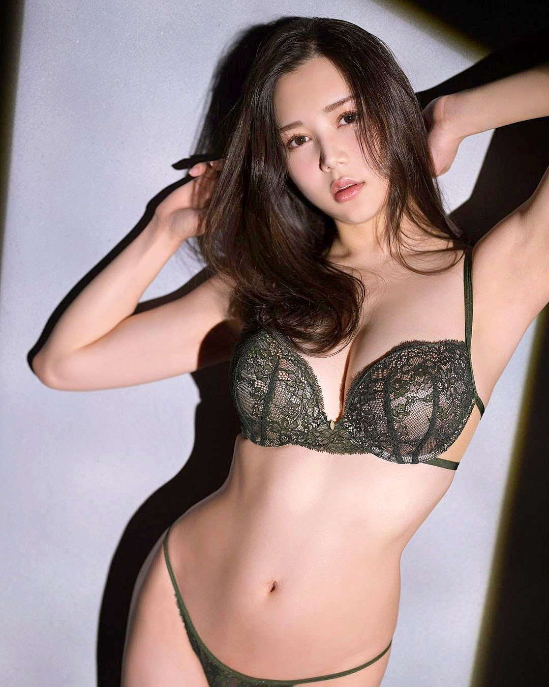 Miu Shiramine 2103 21.jpg