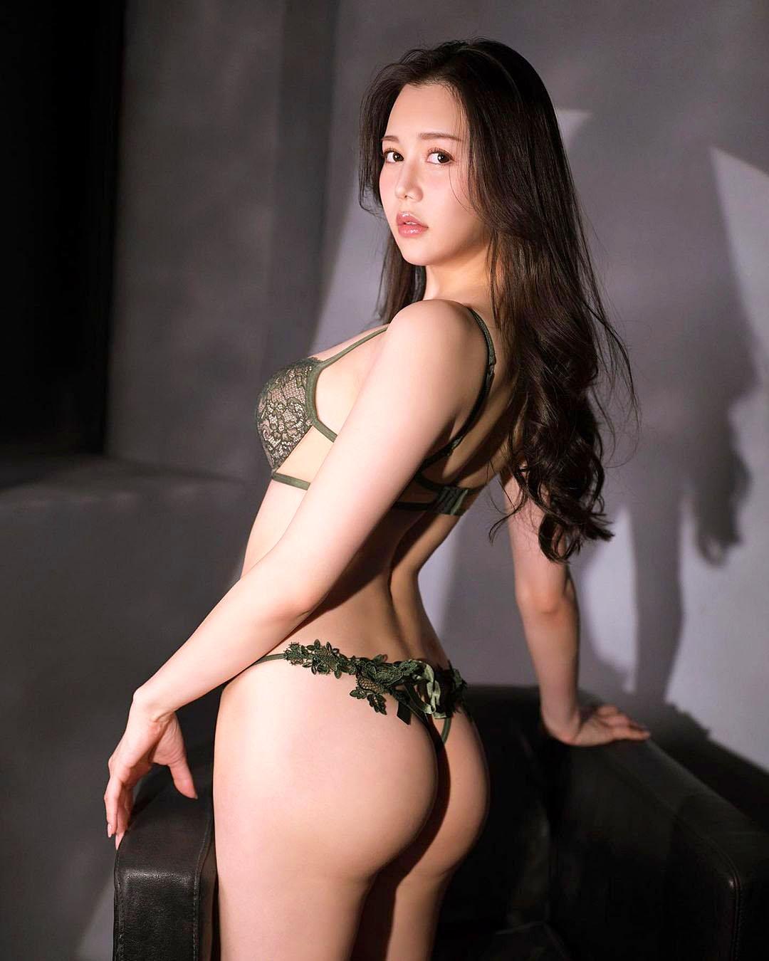 Miu Shiramine 2103 23.jpg