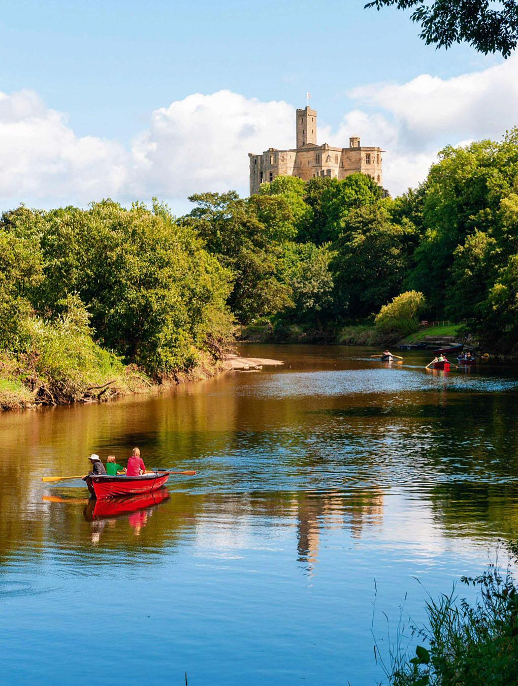 Warkworth Castle, River Coquet.jpg