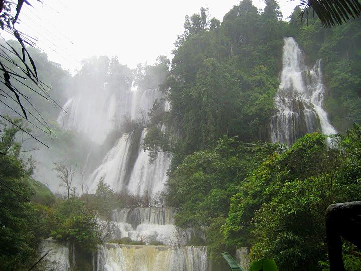 Tee Lor Su Falls, Tak Province 2.jpg