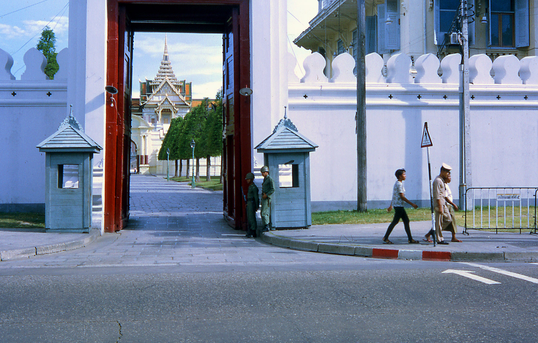 1968 Entrance to the Temple grounds at the Temple of Dawn.jpg