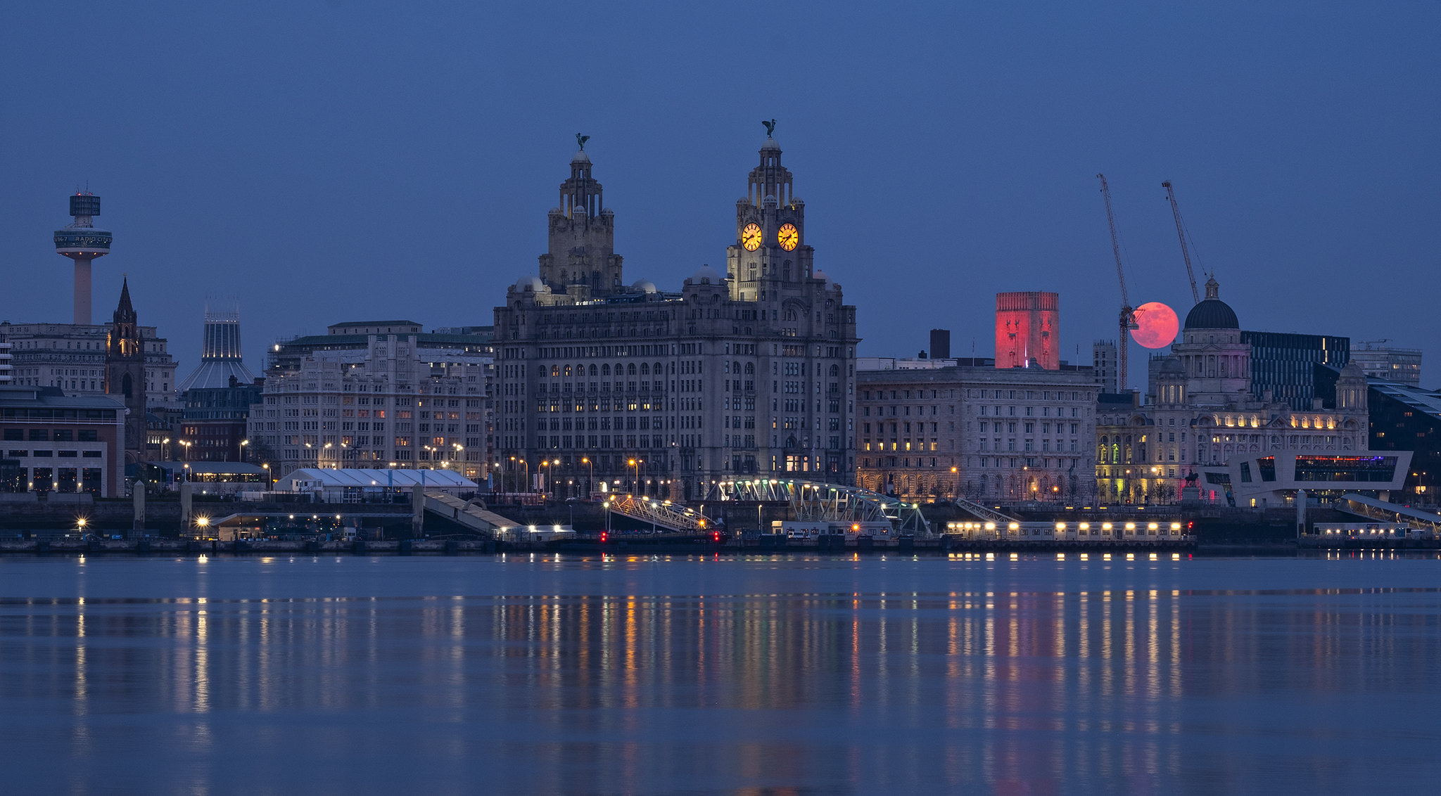 Liverpool Waterfront by Stephen Conway.jpg