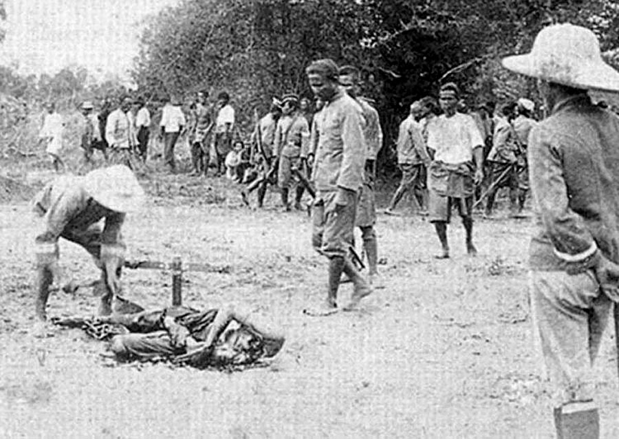 1898 Execution by beheading.jpg