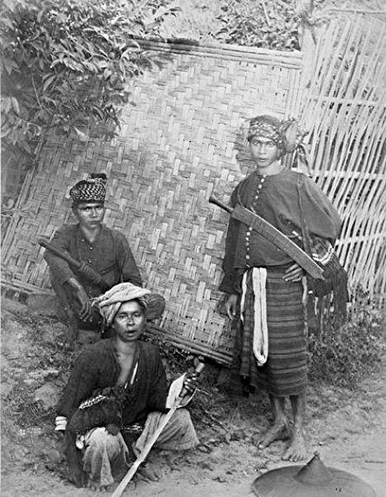 1898 Lanna royal bodyguards militia, Chiang Mai.jpg