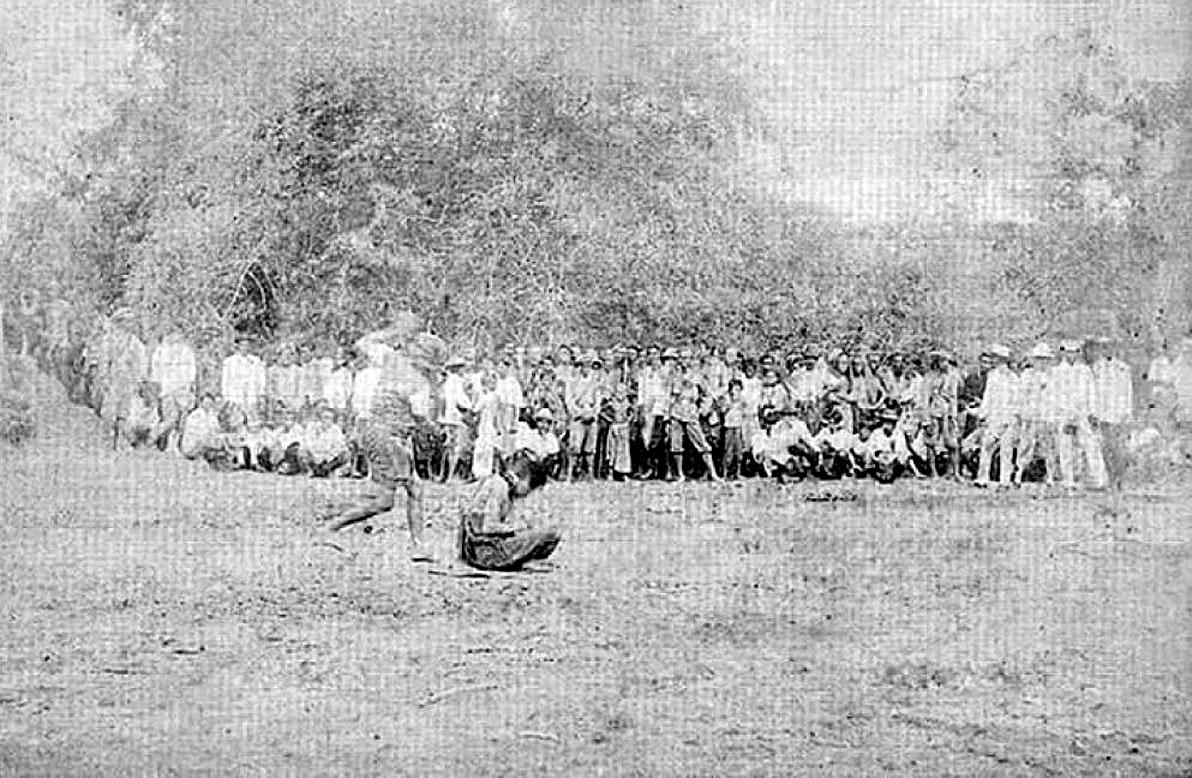 1898 Siamese execution by beheading.jpg