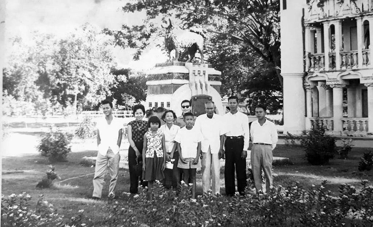 1954 Family outing at Nakhon Pathom's Sanam Moon Royal Palace.jpg