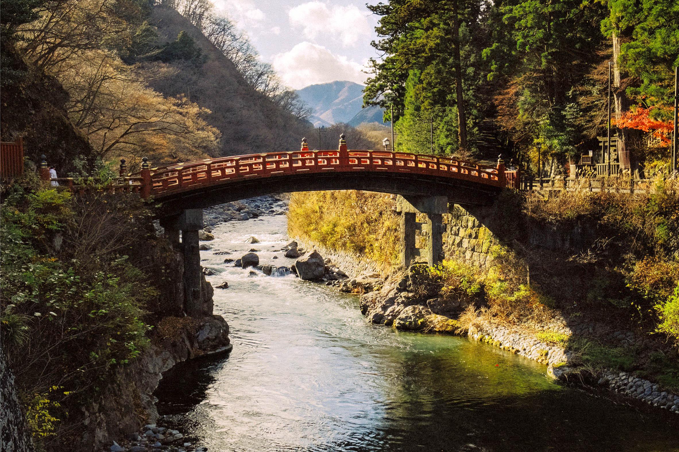 Shinkyo Bridge across Daiya River, Nikko by Hiroshi Okamoto.jpg