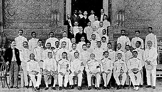 Rama VI {fourth from your right} with his governmental ministers.jpg