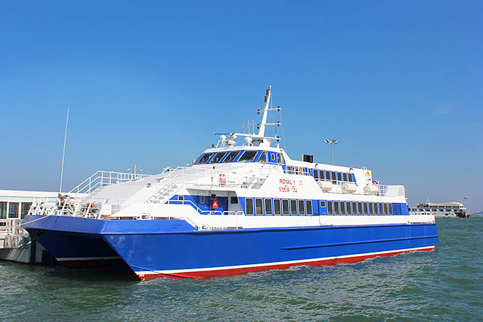 Pattaya-Hua-Hin-Ferry.jpg