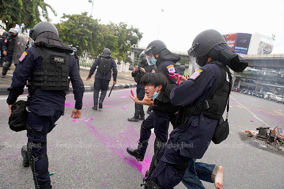 Bangkok Tensions 210811 03.jpg