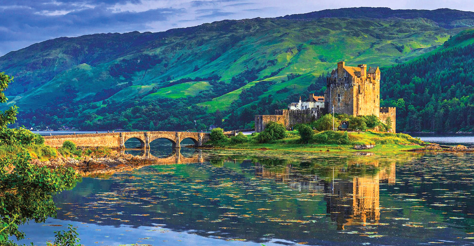 Eilean Donan Castle by Luidgi Vaccarella.jpg