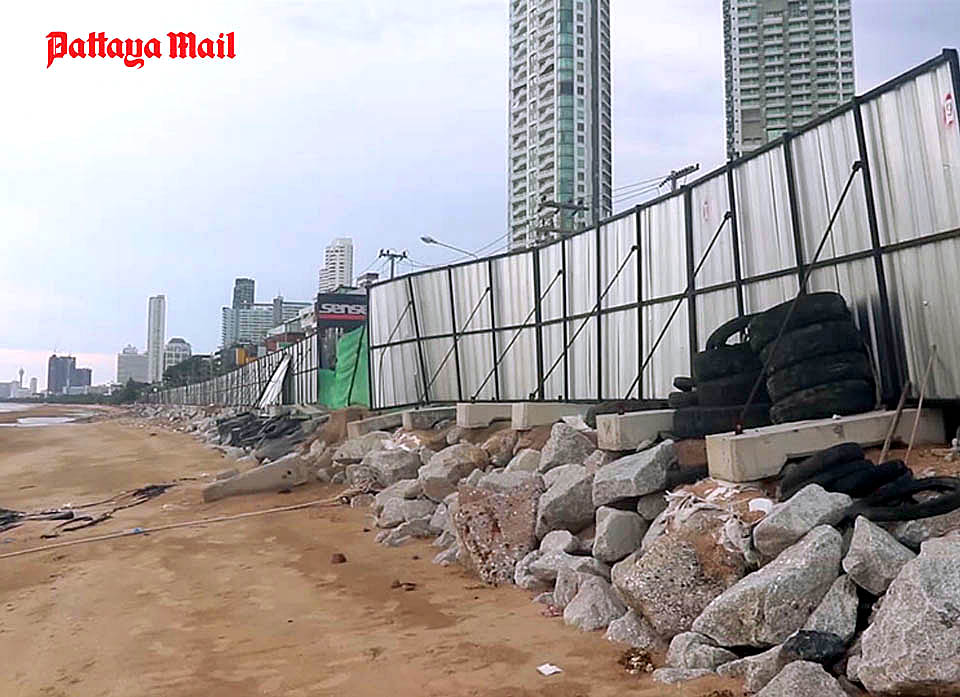 Jomtien-beach-sand-fill-delay-due-to-weather-condition.jpg
