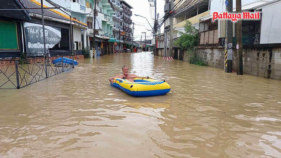 Pattaya-floods-pic-14.jpg