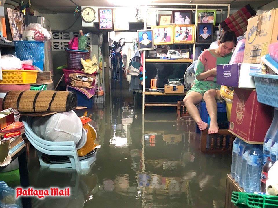 Pattaya-floods-pic-17.jpg
