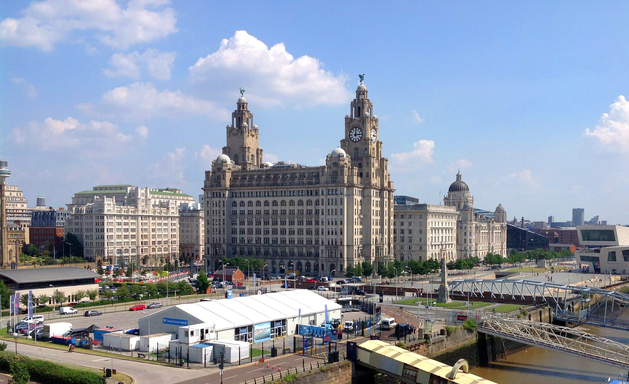 Liverpool's Royal Liver Building by Graham Hart.jpg