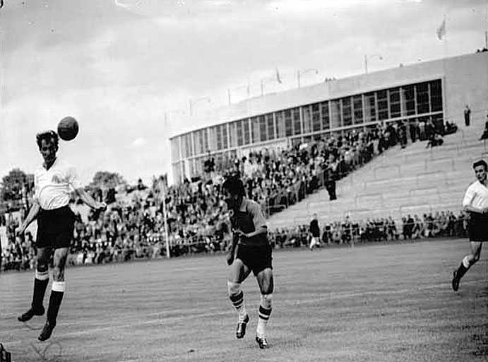 1956 Olympic football, Thailand vs Great Britain.jpg