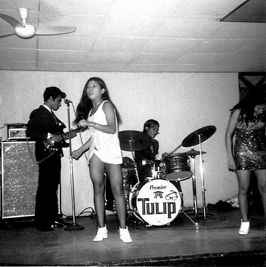 1970 Officer's Club entertainment at Ubon RTAFB 02.jpg