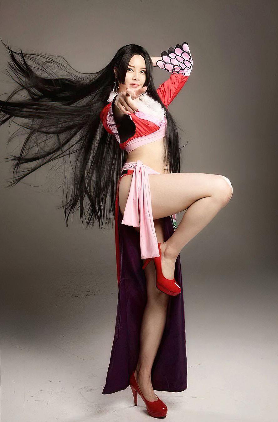 Miu Shiramine 2105 08.jpg
