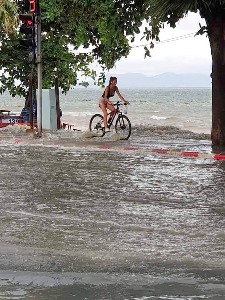 Паттайя потопла Pattaya Drown 2109 05.jpg