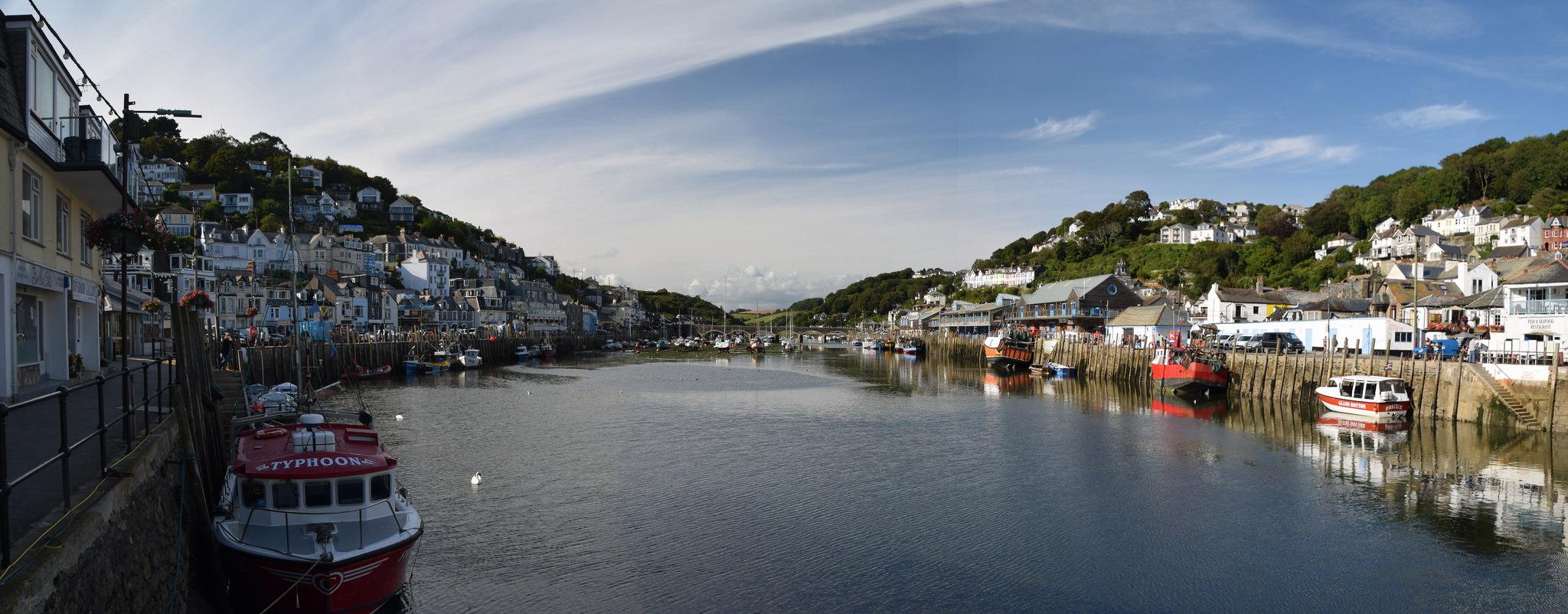 Looe Harbour by Worthing Wanderer.jpg