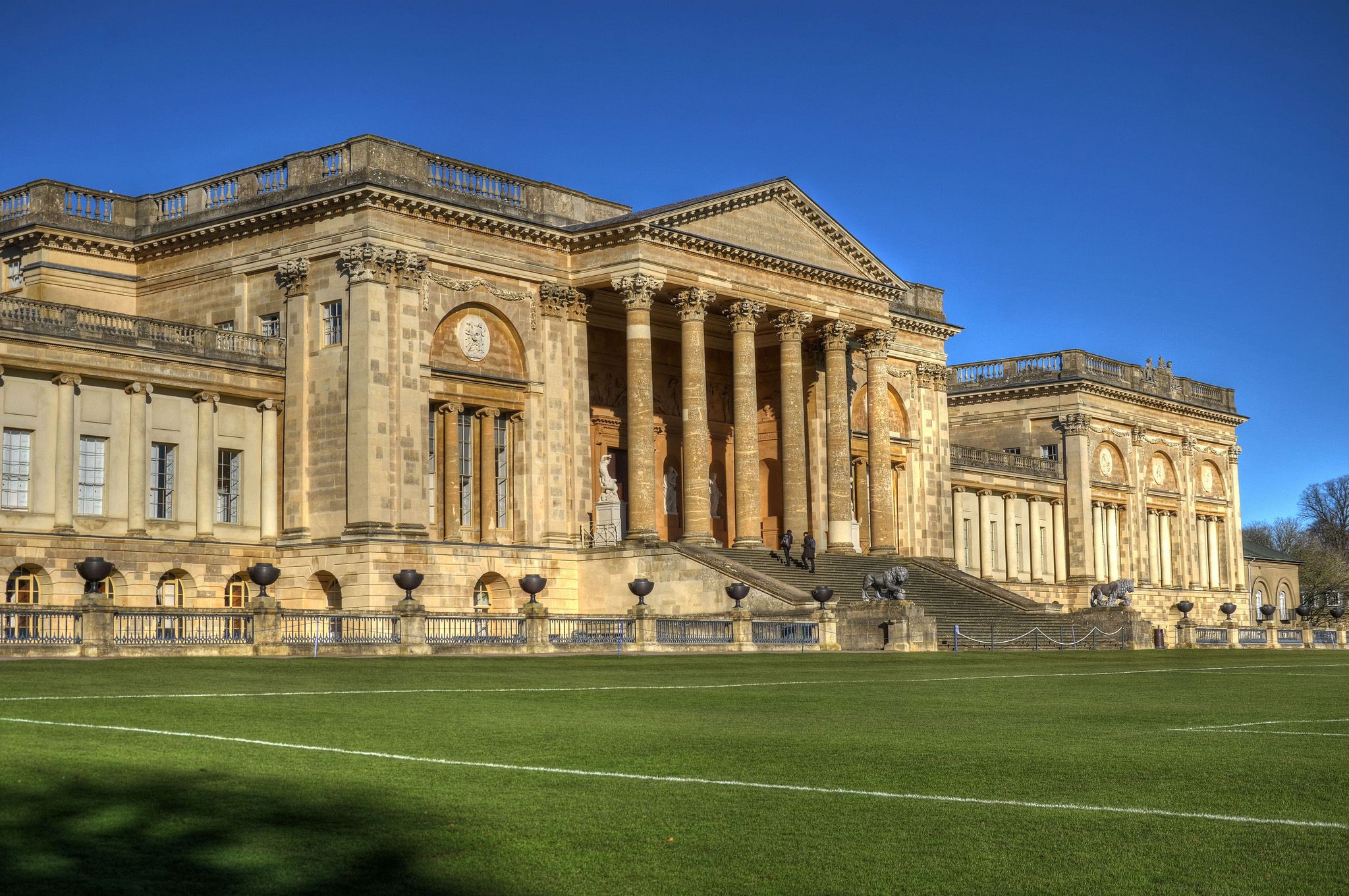 Stowe House, Buckingham by Baz Richardson.jpg
