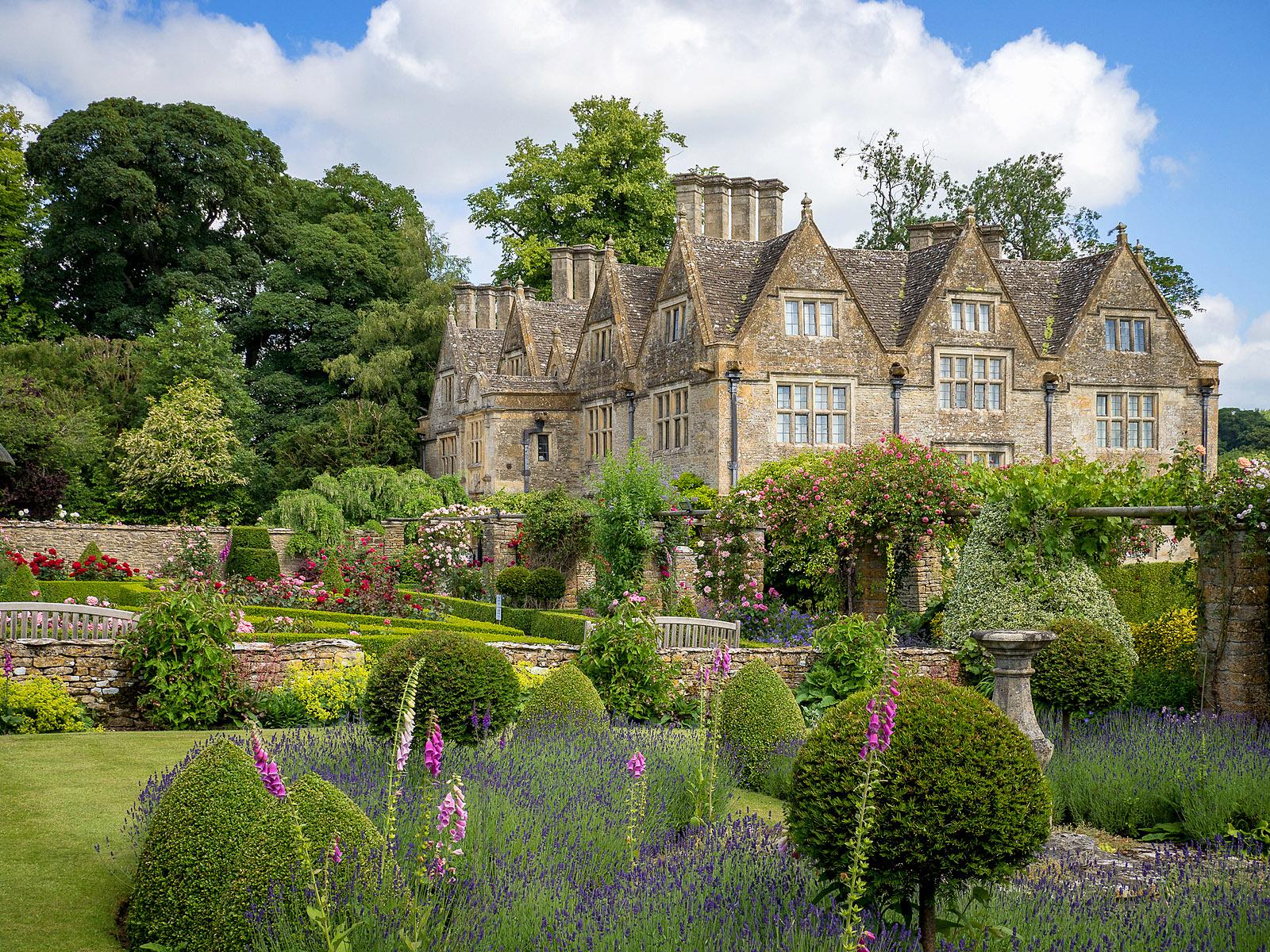 Upper Slaughter Manor Gardens, Cotswolds by Bob Radlinski.jpg