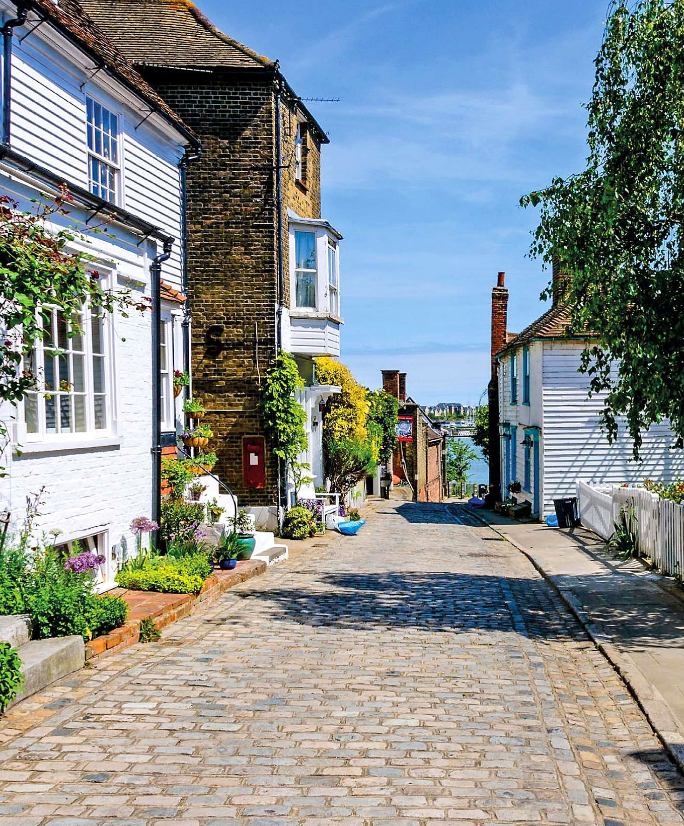 Upnor's cobbled High Street, Kent.jpg