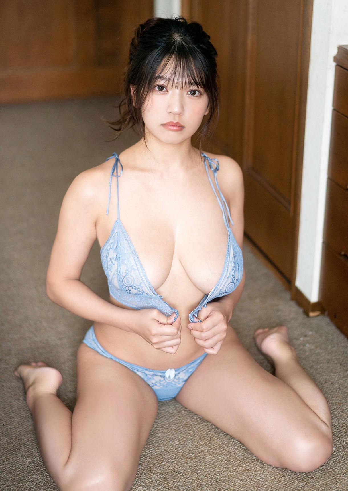 Fujino Aoi Young Jump 210923 15.jpg