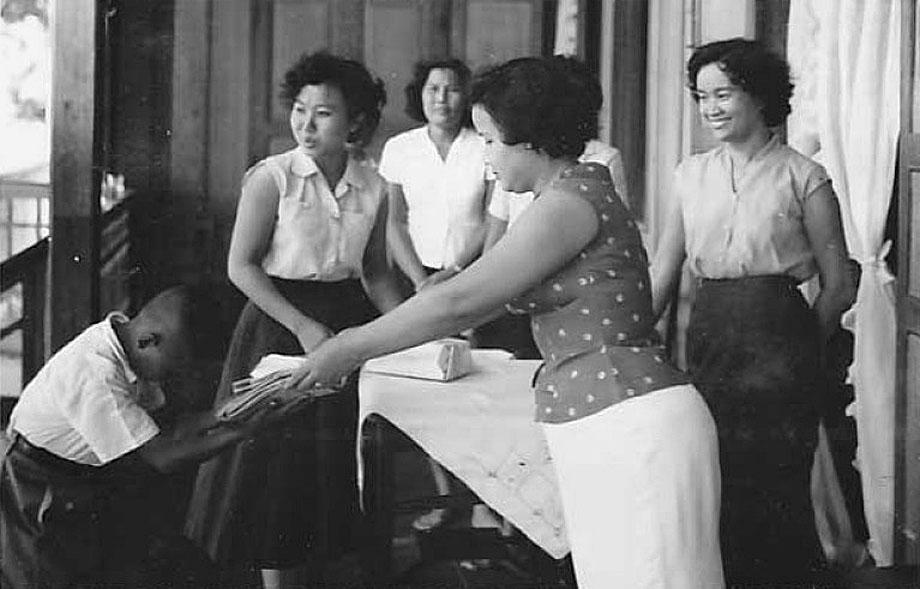 1958 Mahasarakham - novice preparation.jpg
