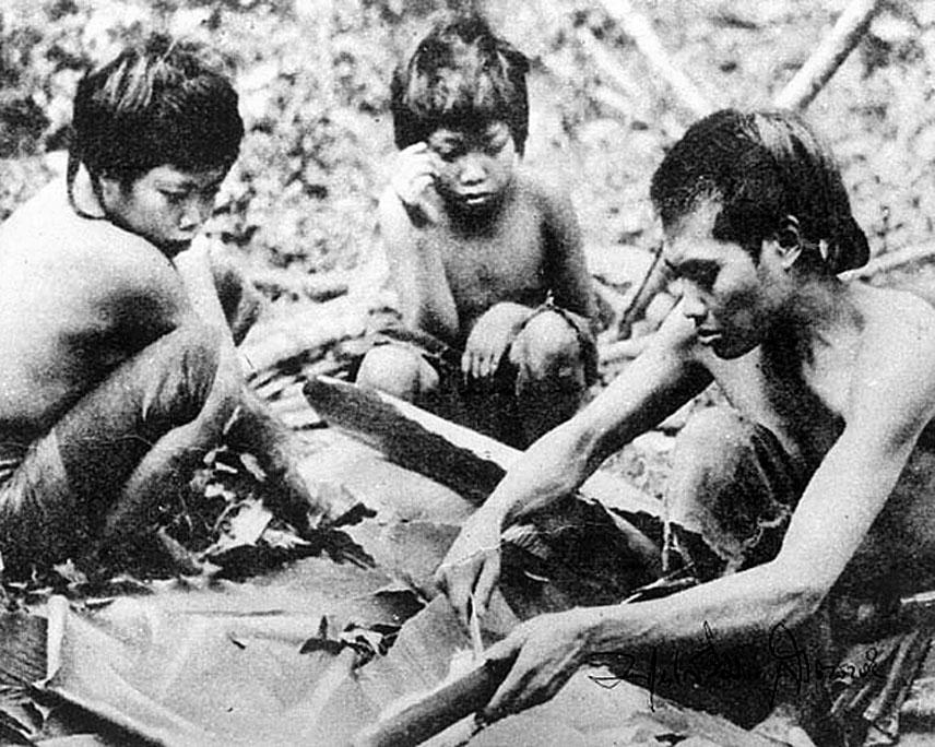 1959 Mlabri, Nan province 02.jpg