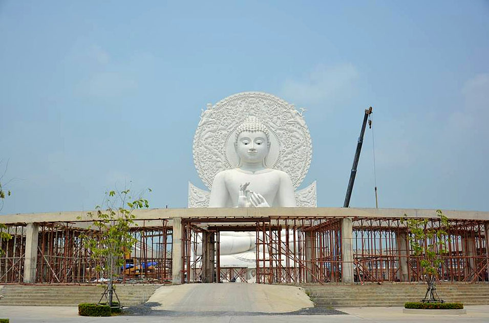 Saraburi Buddha Sangdham Temple 03.jpg