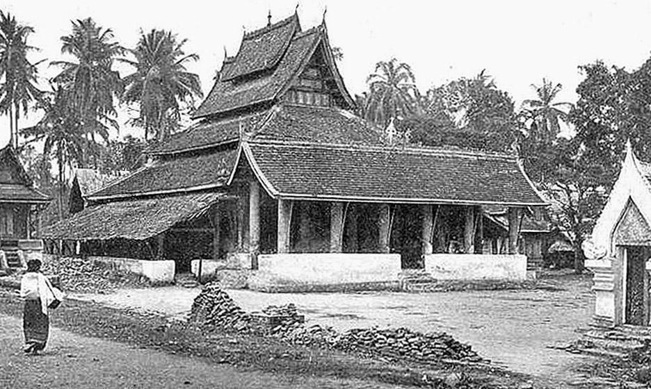 1898 Depiction of a crumbling and depreciated wat Nakhon Phanom.jpg