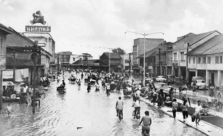 1962 August flooding, Hat Yai.jpg
