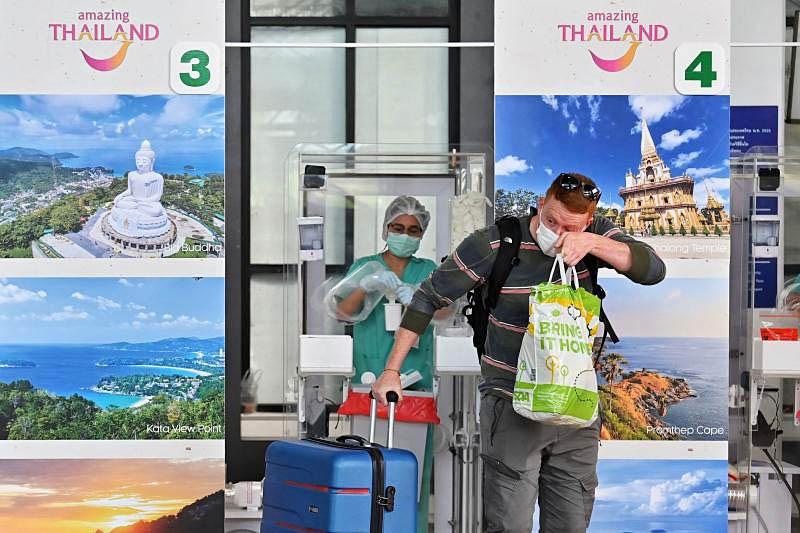 Foreign tourist at Phuket Airport.jpg