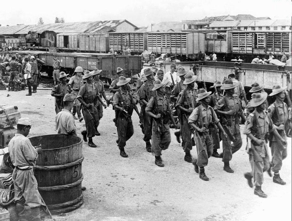 1945 Allied at Bangkok Station.jpg