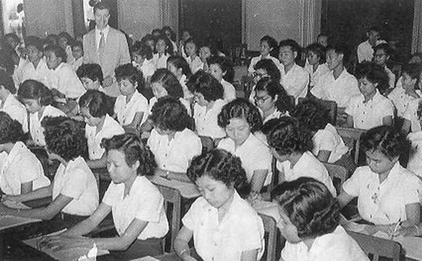 1949 A class scene of Chulalongkorn University.jpg