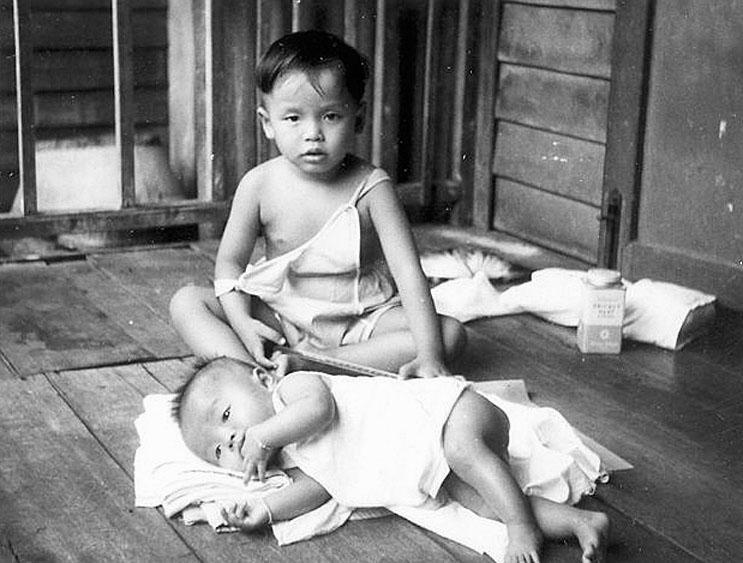 1949 Life of a Bangkok family 09.jpg