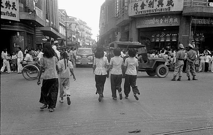 1949 Seng Hen Lee goldshop at Yaowarat Rd, Chinatown.jpg