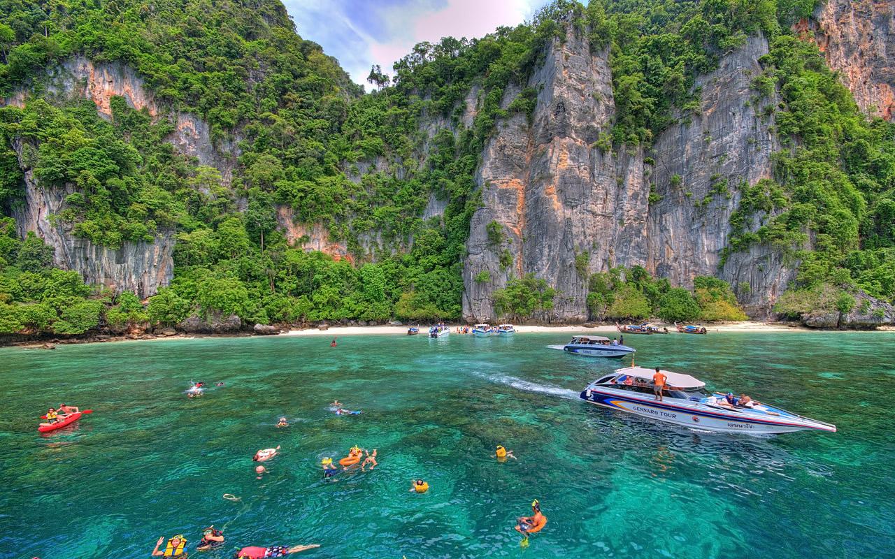 Phi Phi Island Snorkelling.jpg