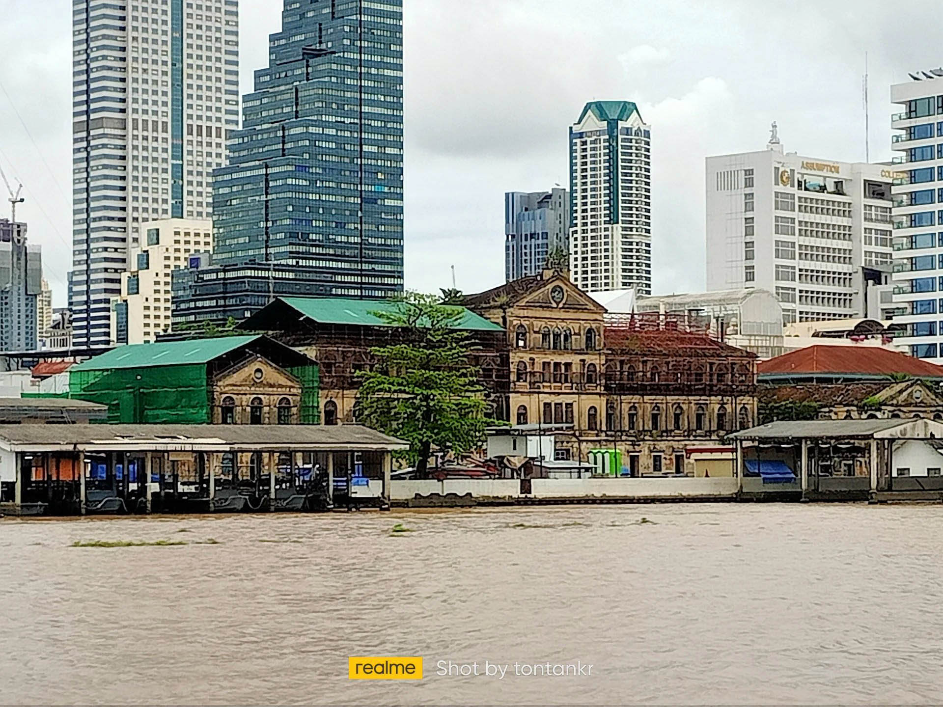 Old Bangkok Custom House.jpg