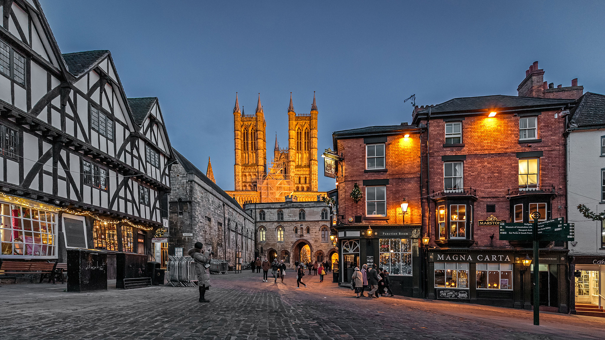 Lincoln Cathedral by Fred Knox-Hooke.jpg