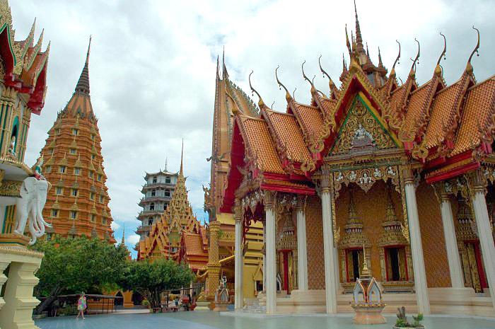 Wat Tham Seua, Kanchanaburi.jpg