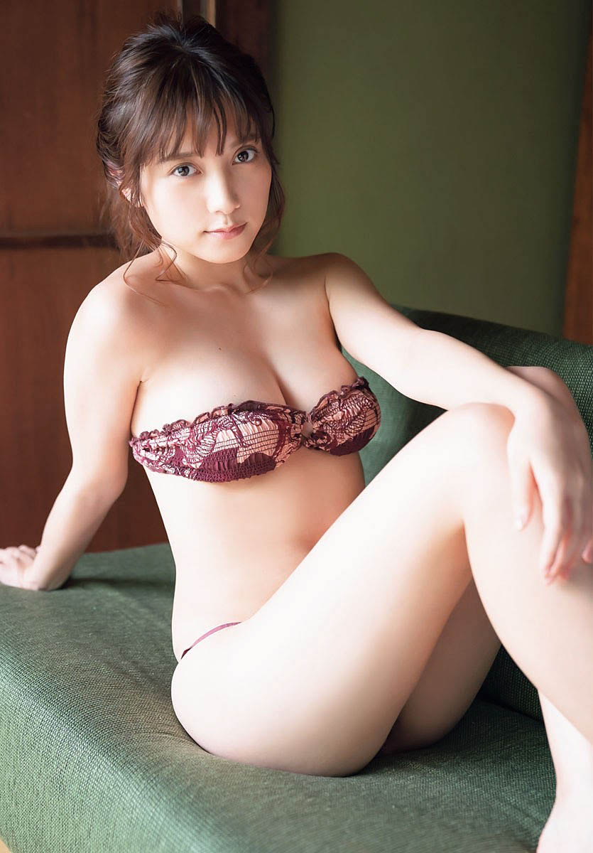 Nashiko Momotsuki Shonen Champion 211007 08.jpg