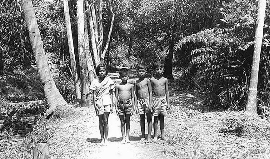 1961 Bangkok youngsters, not far from what is now Suttisarn-Winitjai Road.jpg